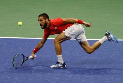 Djokovic gana a Dzumhur y jugará la segunda ronda del Abierto de EE.UU. contra Edmund