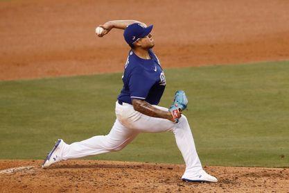 6-3. Urías lanza sólido y dirige la victoria de los Dodgers