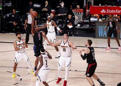 120-97. Leonard y los Clippers abusan de los Nuggets y toman ventaja de 1-0