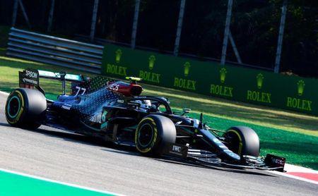 Bottas delante de Hamilton en el primer libre; Sainz, décimo y Pérez, séptimo