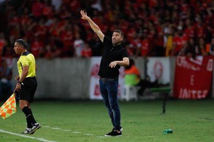 Inter de Coudet obligado a ganar para evitar que el Sao Paulo lo alcance
