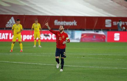 Ramos se convierte en el defensa más goleador