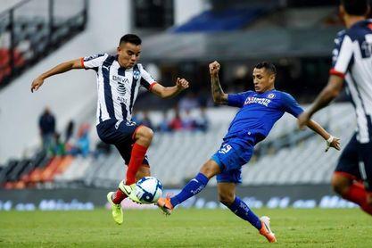 El peruano Yoshimar Yotún es baja del Cruz Azul por lesión