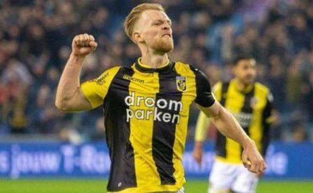 Max Clark ha destacado en el Vitesse holandés.