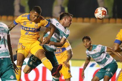 El defensa colombiano Francisco Meza repite en el equipo ideal en México
