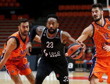 66-77. El Valencia muestra su poder de adaptación ante el ASVEL y se lleva el torneo