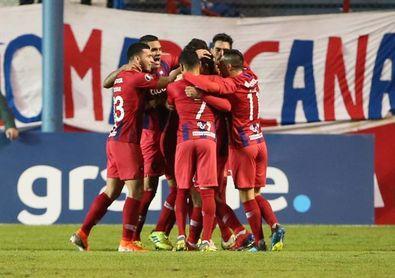 Cerro Porteño sella una racha de once triunfos y acaricia el título en Paraguay