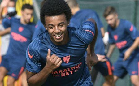 Koundé asegura que es un honor jugar en el Sevilla.