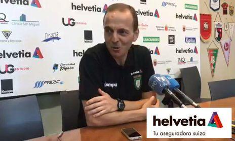 """Quique Domínguez, técnico del Helvetia: """"El equipo está en buena línea""""."""