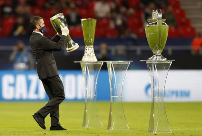 Rakitic y Escudero en el Sevilla; el Bayern con Lewandowski y Muller arriba