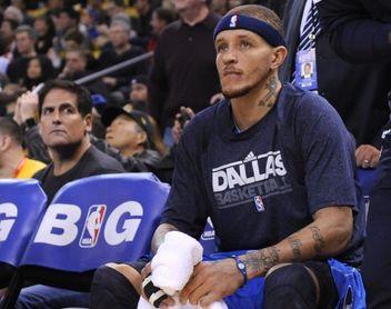 Delonte West, exjugador de la NBA, recibe ayuda de Cuban, dueño de los Mavericks