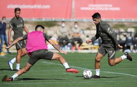 """Simeone: """"Claro que pueden jugar juntos Suárez y Costa"""""""