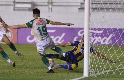 3-0. Delfín dio tres zarpazos y dejó severamente herido al Halcón argentino