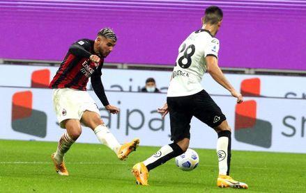 El Milan, de tres en tres al ritmo de Theo y Leao