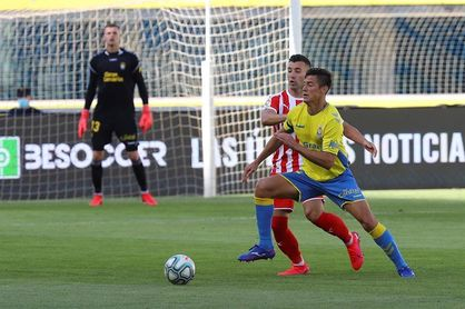 Mantovani se desvincula de la UD Las Palmas, que inscribe a Cedrés y Athuman