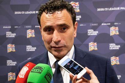 Molina renueva su contrato como director deportivo de la Federación