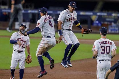 Los Astros y los Dodgers cobran vida al conseguir sus primeras victorias