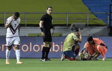 Santiago Arias, operado con éxito de una fractura-luxación de tobillo