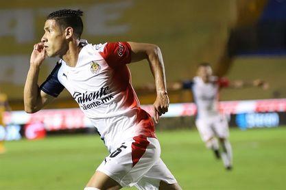 3-2. Guadalajara vence al Atlas en el Clásico tapatío del Apertura mexicano