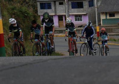 Dos regiones de Ecuador forjaron el talento hoy presente en grandes vueltas