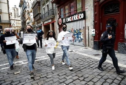 Poco público y protesta de los hosteleros en la etapa que recorre Navarra