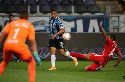 1-1. Gremio salva empate en el descuento y América sale de la Sudamericana