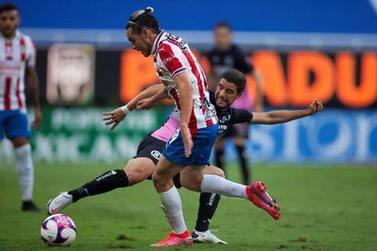 0-2. El uruguayo Rodríguez le da el triunfo a Cruz Azul sobre Chivas con un doblete