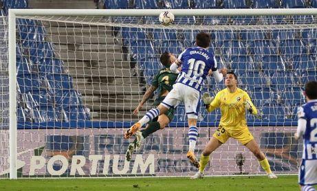 Oyarzabal, infalible con 12 penaltis marcados, sigue la estela de Xabi Prieto