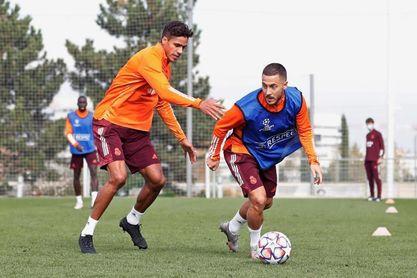 Hazard estrena titularidad en 'Champions'; Perisic por Lukaku en el Inter