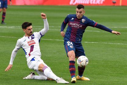 1-1. El Huesca desaprovecha sus oportunidades ante un Dmitrovic salvador