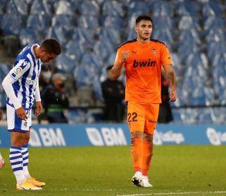 Maxi Gómez no va con la selección uruguaya por un traumatismo en la rodilla