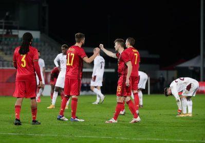 2-1. Michy Batshuayi prolonga la racha de Bélgica