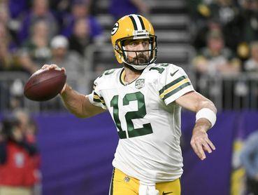 Aaron Rodgers dice que hay doble rasero de la NFL en la política del coronavirus