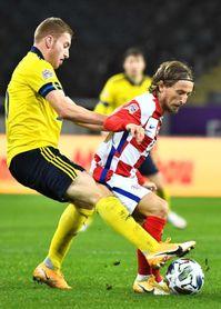 2-1. Suecia se agarra a la salvación