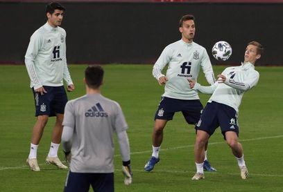 La selección pisó el césped de La Cartuja para ultimar la cita ante Alemania