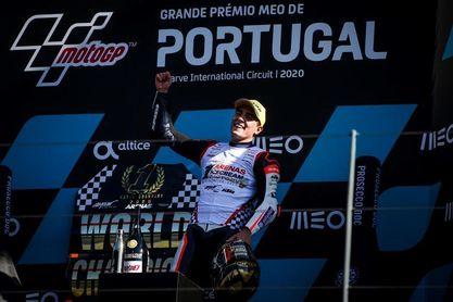 Oliveira gana con autoridad; Bastianini y Arenas campeones del mundo