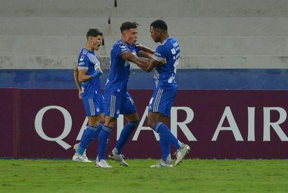 Emelec y Barcelona se apoderan del liderato bajo acecho de Liga y Guayaquil