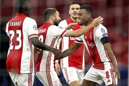 3-1. El Ajax hace los deberes