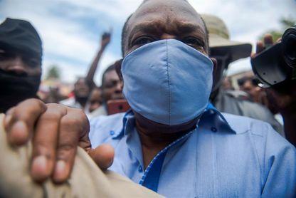 La ONU pide un juicio independiente al expresidente de la Federación Haitiana