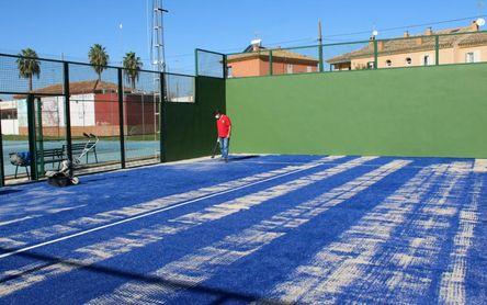 Mejoras en el pabellón y las pistas de pádel del Polideportivo de Gines