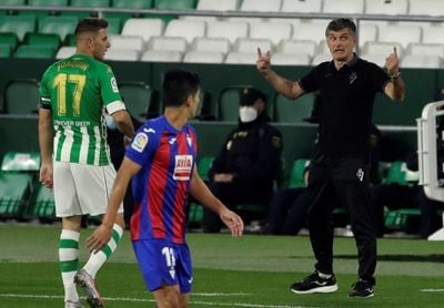 """Mendilibar: """"Salvo alguna ocasión al comienzo, no los hemos dejado jugar"""""""