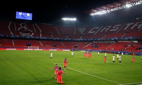 El Chelsea de Giroud se paseó este miércoles por el Sánchez-Pizjuán.
