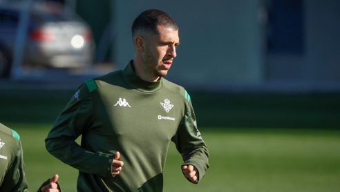 Guido Rodríguez ya no ocupa plaza de extranjero en el Betis.
