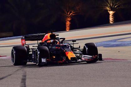 Verstappen dominó el último libre en Sakhir; Sainz fue décimo
