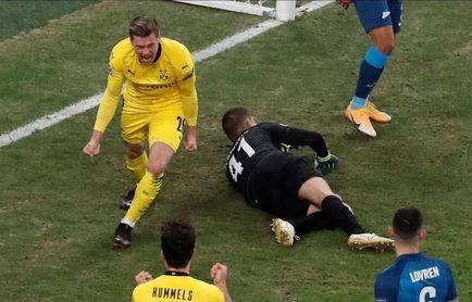 1-2. Un Borussia Dortmund sin Haaland pasa como primero