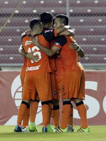 Cuatro equipos buscan mantener el invicto en el torneo Apertura de fútbol en El Salvador