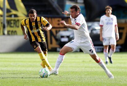 3-2. Peñarol sufre, pero se lleva la victoria en el Clásico