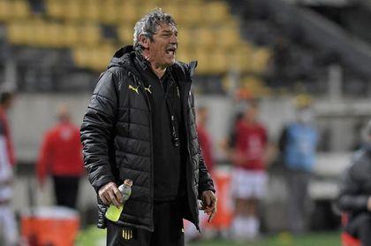 Peñarol se queda con el Clásico, Nacional y Wanderers aguardan por la final