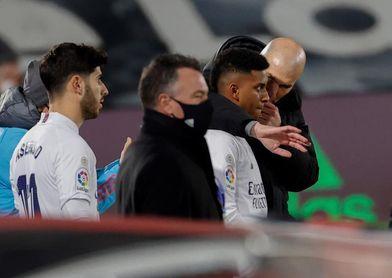 """Zidane: """"A Isco no le doy la oportunidad de demostrar el jugador que es"""""""