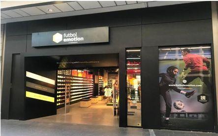 Fútbol Emotion abre hoy su segunda tienda en Barcelona en el Centro Comercial Splau